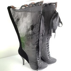NWOT Bettie Page Black Skull Heeled Boots